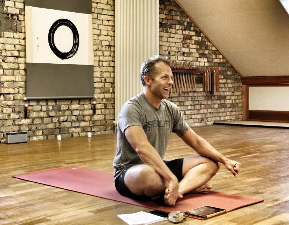 jeff-bern-yoga-teaching